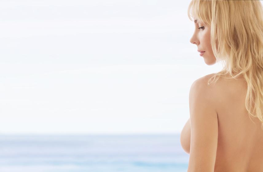 La cirugía los plásticos del pecho