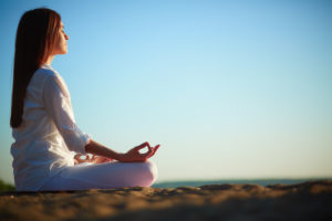 Frente al estrés, se aconseja realizar técnicas de relajación
