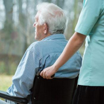 Anciano en residencia