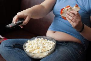 Tras la cirugía, el paciente deberá cambiar sus hábitos de vida para mantener su peso normal.