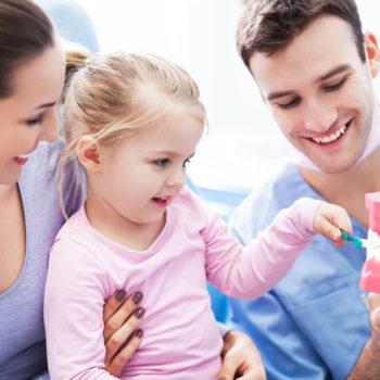 La herencia familiar es uno de los aspectos que más influyen en la posición de los dientes