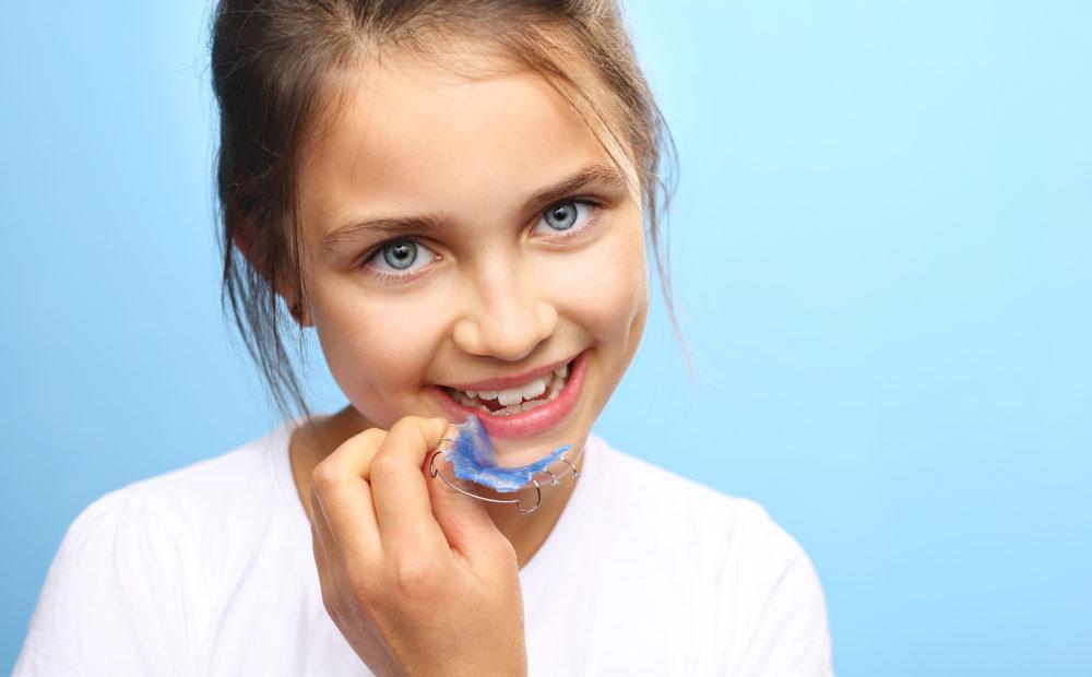 Los aparatos removibles o extraíbles poseen ciertas características dentro de la ortodoncia