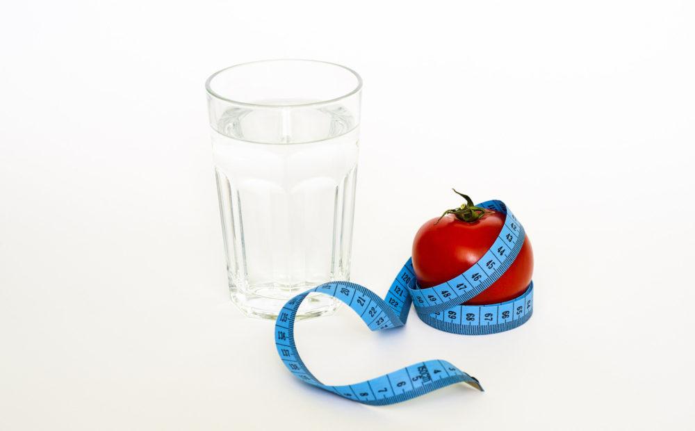 Durante el preoperatorio de la cirugía de la obesidad habrá que vigilar la alimentación.