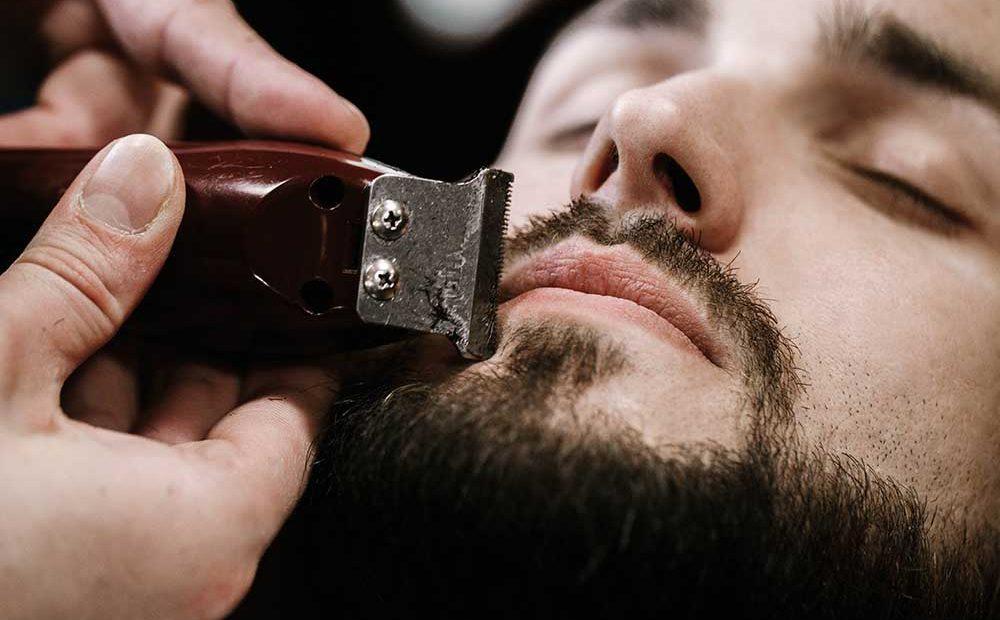 injerto de pelo en la barba