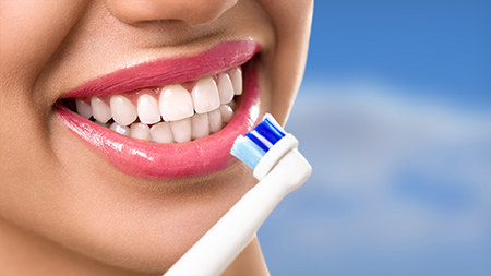 Tener una sonrisa bonita depende en gran medida de la frecuencia con que se visite a los dentistas en Alicante.