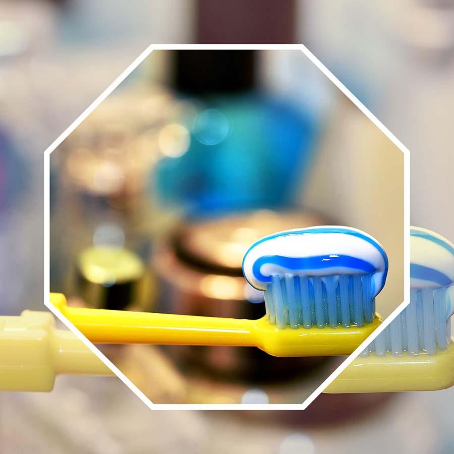 La higiene dental es lo más importante para el mantenimiento de un implante dental en Castellón.