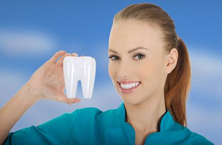 Los dentistas en Madrid emplean implantes o prótesis dentales de la más alta calidad.