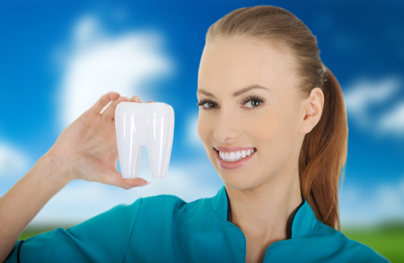 Los dentistas en Sevilla cuidan la salud de tus dientes con la máxima garantía.