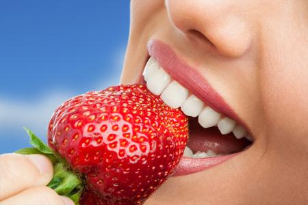 Lucir una sonrisa perfecta es posible gracias al avance de los tratamientos de ortodoncia.