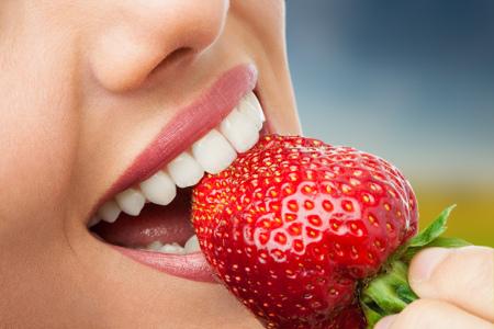 Una adecuada higiene dental y bucal es imprescindible según los dentistas en Almería