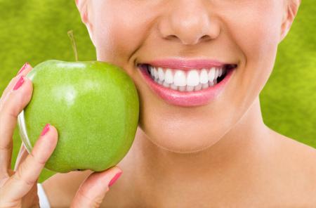 La técnica del blanqueamiento dental es una de las más demandadas para los dentistas en Málaga.