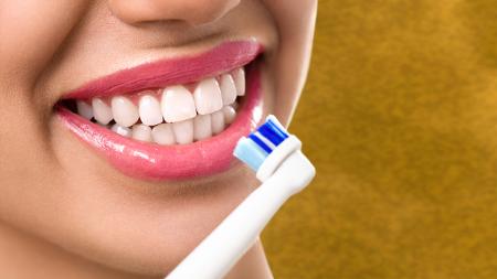 Los dentistas en Córdoba resaltan la importancia de cepillarse los dientes de manera adecuada.