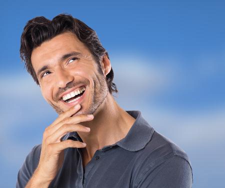 Ahora puede presumir de una sonrisa de anuncio gracias a nuestros tratamientos dentales.