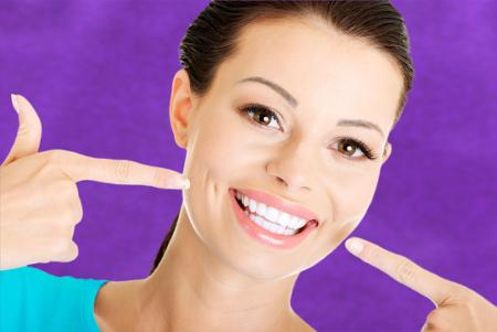 No existe un único tratamiento dental al que puedes someterte si lo que pretendes es mejorar tu sonrisa.