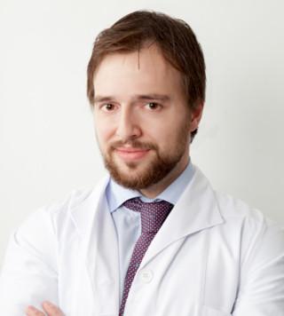 Dr. Fernández Calderón, cirujano plástico