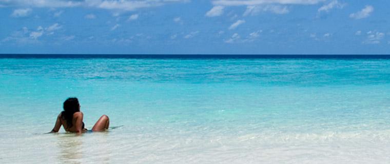Puedes disfrutar de la playa con precaución