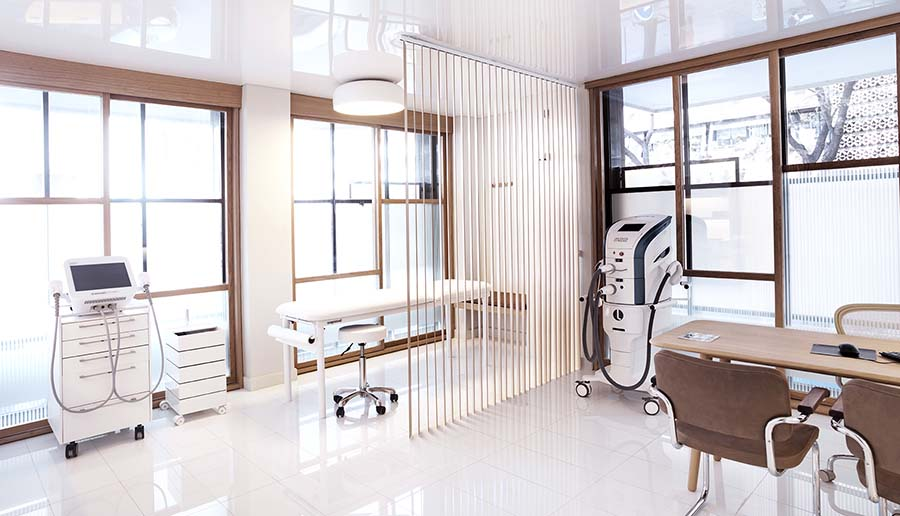 La clínica dental de Turó Park Medical Center cuenta con un equipo internacional de especialistas.