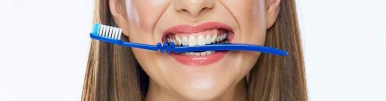 Ortodoncia fija con brackets en Málaga por 1.900 €