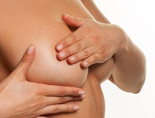 Es recomendable la realización de masajes transcurridas unas semanas tras el aumento de pecho en Málaga.