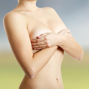 La cirugía de mastoplastia de reducción puede durar entre dos y cinco  horas.