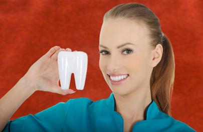 Cualquier odontólogo ha de contar con la debida formación académica para ejercer su profesión de manera legal.