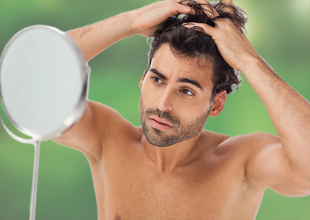 Si una persona comienza a perder pelo, la solución más efectiva es un injerto capilar en Ourense.