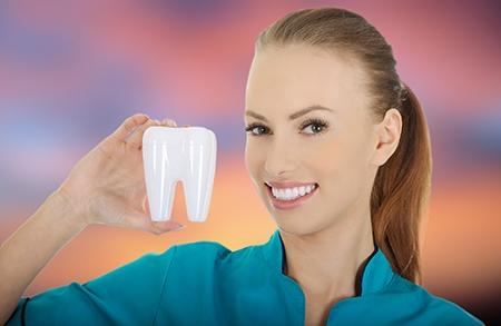 Cuando hay problemas de maloclusión o malposición, se debe acudir a un especialista para realizar una ortodoncia en Valencia.