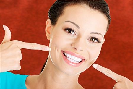 Todos los tipos de ortodoncia ayudan a lograr una sonrisa alineada y saludable.