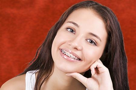 No hay edad mínima ni máxima para una ortodoncia en Málaga.