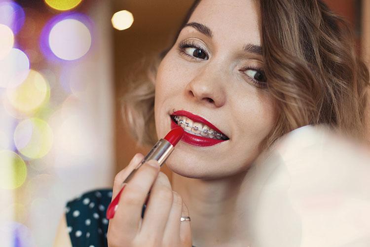 La ortodoncia en Huelva permite corregir la posición de los dientes para lucir una bonita sonrisa.