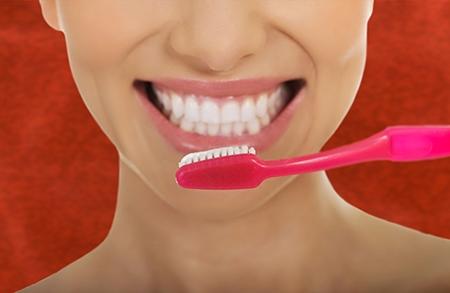 Aprender a cepillarse bien los dientes es fundamental para la ortodoncia en Albacete.