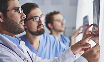 Consulta con el traumatólogo en Calzadas Policlínica