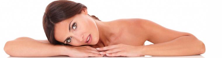 Rejuvenecimiento facial, de escote y manos con plasma en Algeciras (3 sesiones) por 499 €