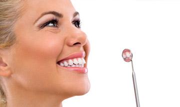 Limpieza, revisión y ortopantomografía dental en Málaga