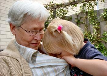 Los nietos alegran la vida a los abuelos