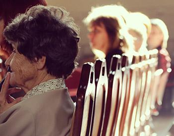 Ancianos sentados